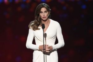 Transgender Caitlyn Jenner accepts ESPY's Arthur Ashe Award for Courage on July 15, 2015 in Los Angeles. (AP photo)