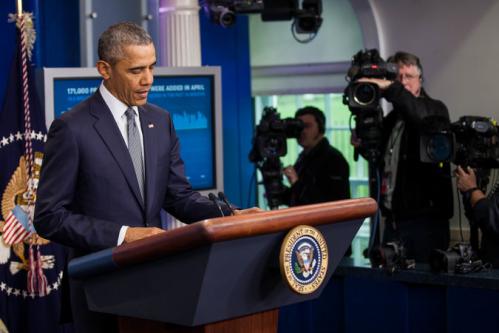 Obama at White House .png